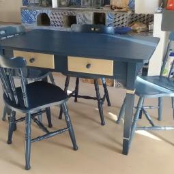 Sedute e tavolo cucina Ginostra